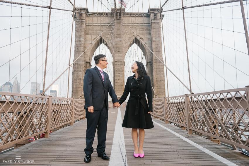 Brooklyn Bridge engagement photographer. Photos by Brooklyn wedding photographer www.everlystudios.com