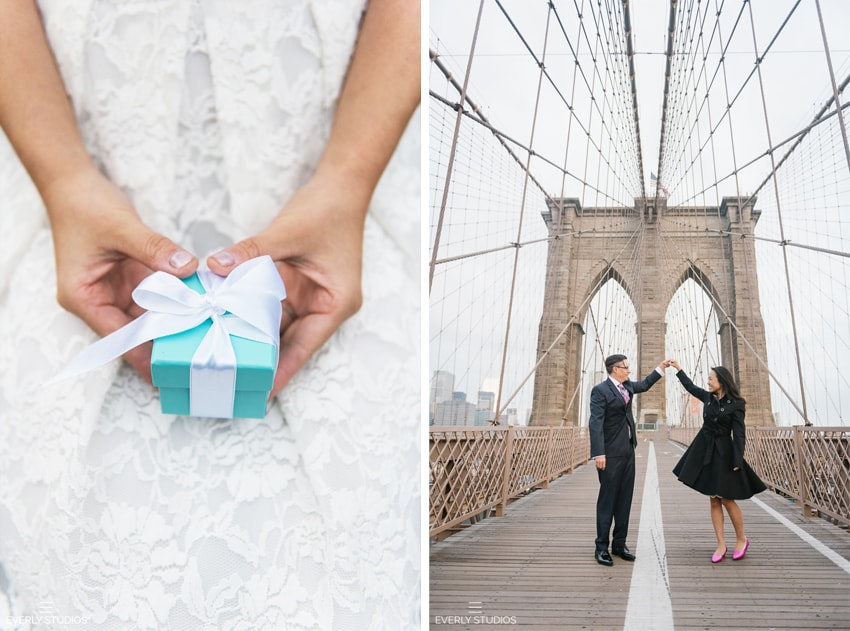 Brooklyn Bridge engagement photos in Brooklyn, New York. Photos by Everly Studios, www.everlystudios.com