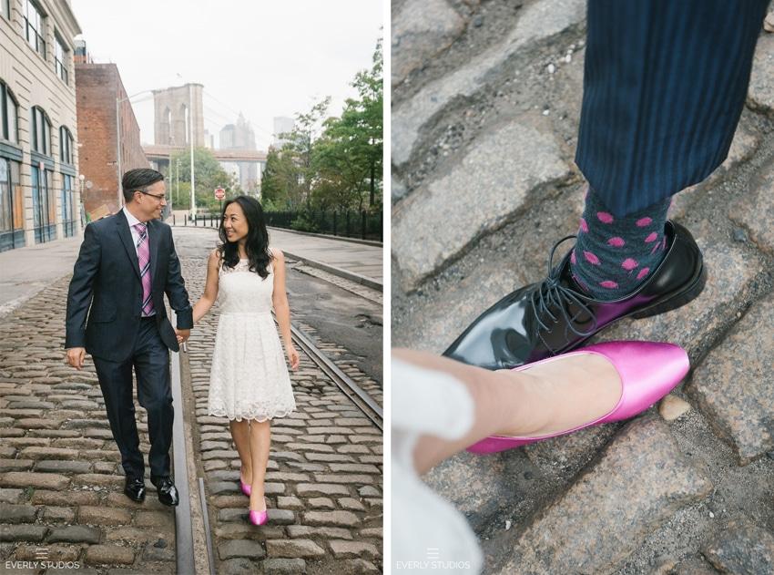 Brooklyn Bridge Park engagement photos in Brooklyn, New York. Photos by Everly Studios, www.everlystudios.com