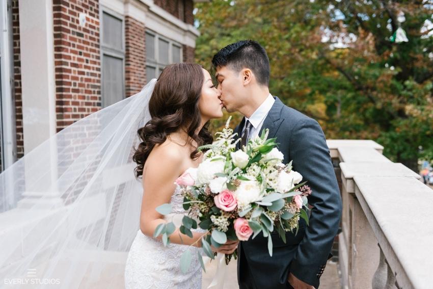 Prospect Park Picnic House wedding in Brooklyn, New York. Photo by Brooklyn wedding photographer Everly Studios, www.everlystudios.com