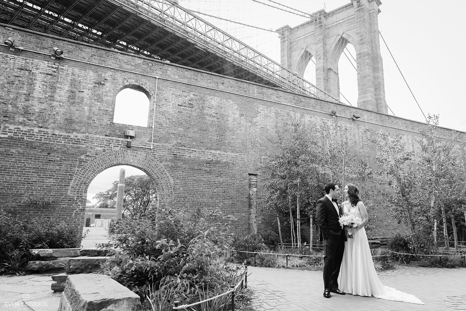 brooklyn-bridge-park-wedding-portraits-001