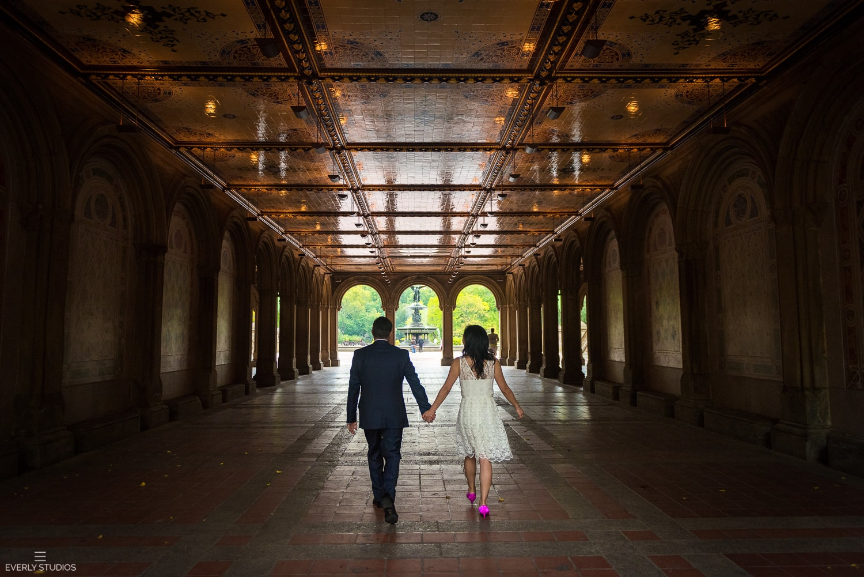 Central Park engagement photos. Photos by New York wedding photographer Everly Studios, www.everlystudios.com