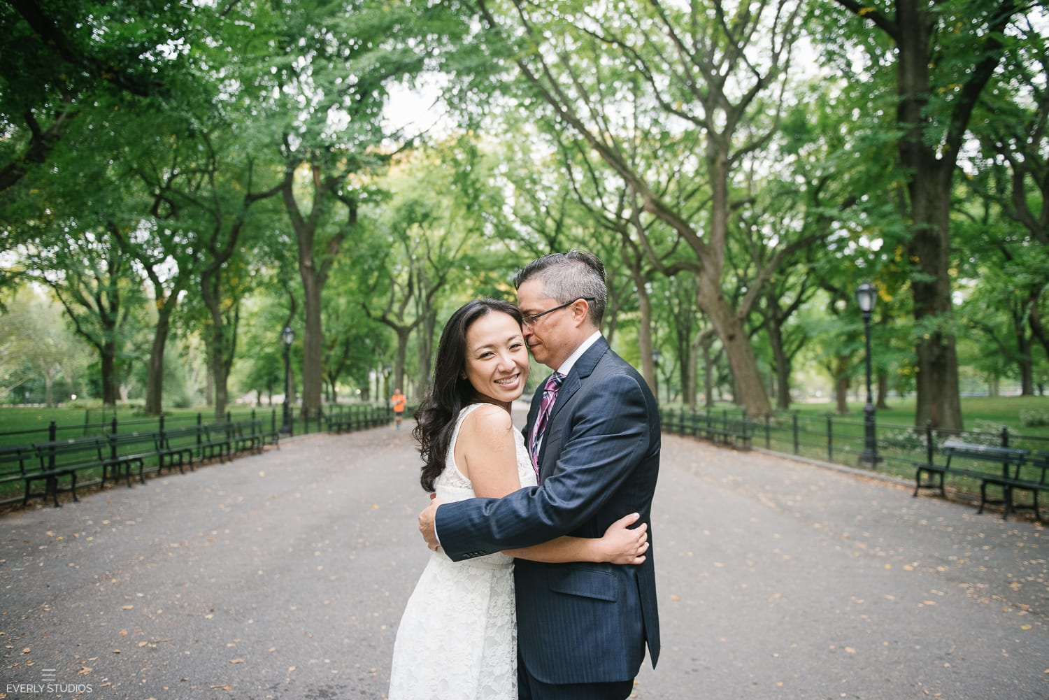 Central Park engagement photos. Photos by New York wedding photographer Everly Studios, www.everlystudios.com