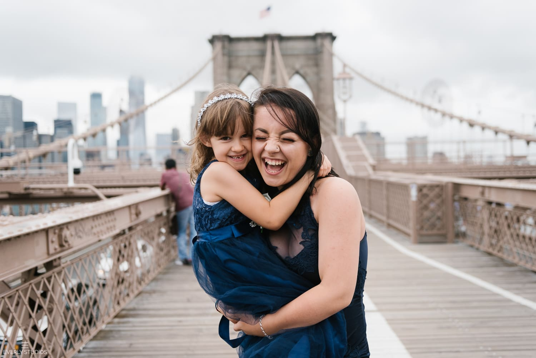 Brooklyn Bridge wedding photos in Brooklyn. Photos by Brooklyn wedding photographer Everly Studios, www.everlystudios.com