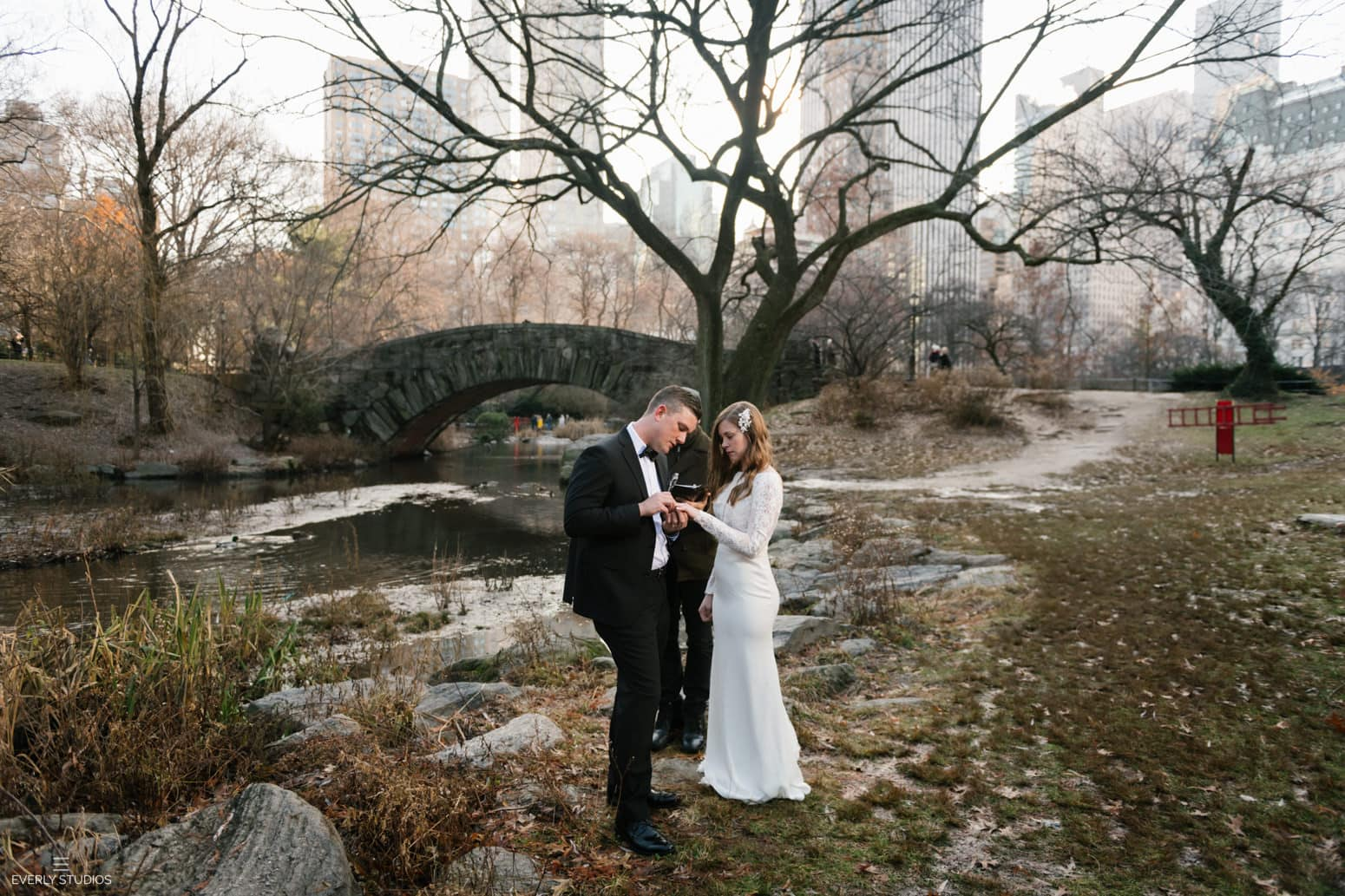 Gapstow Bridge elopement in Central Park NYC. Winter Central Park wedding at Gapstow Bridge in New York. Photo by Central Park wedding photographer Everly Studios, www.everlystudios.com