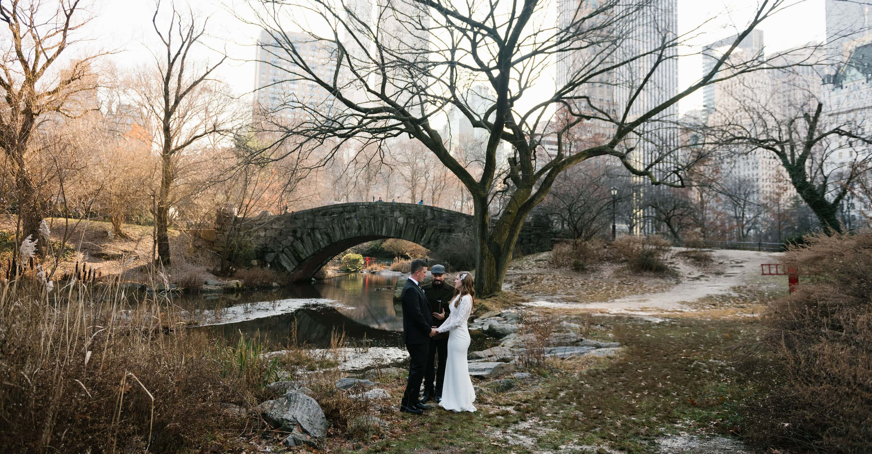 Gapstow Bridge wedding in Central Park in the winter