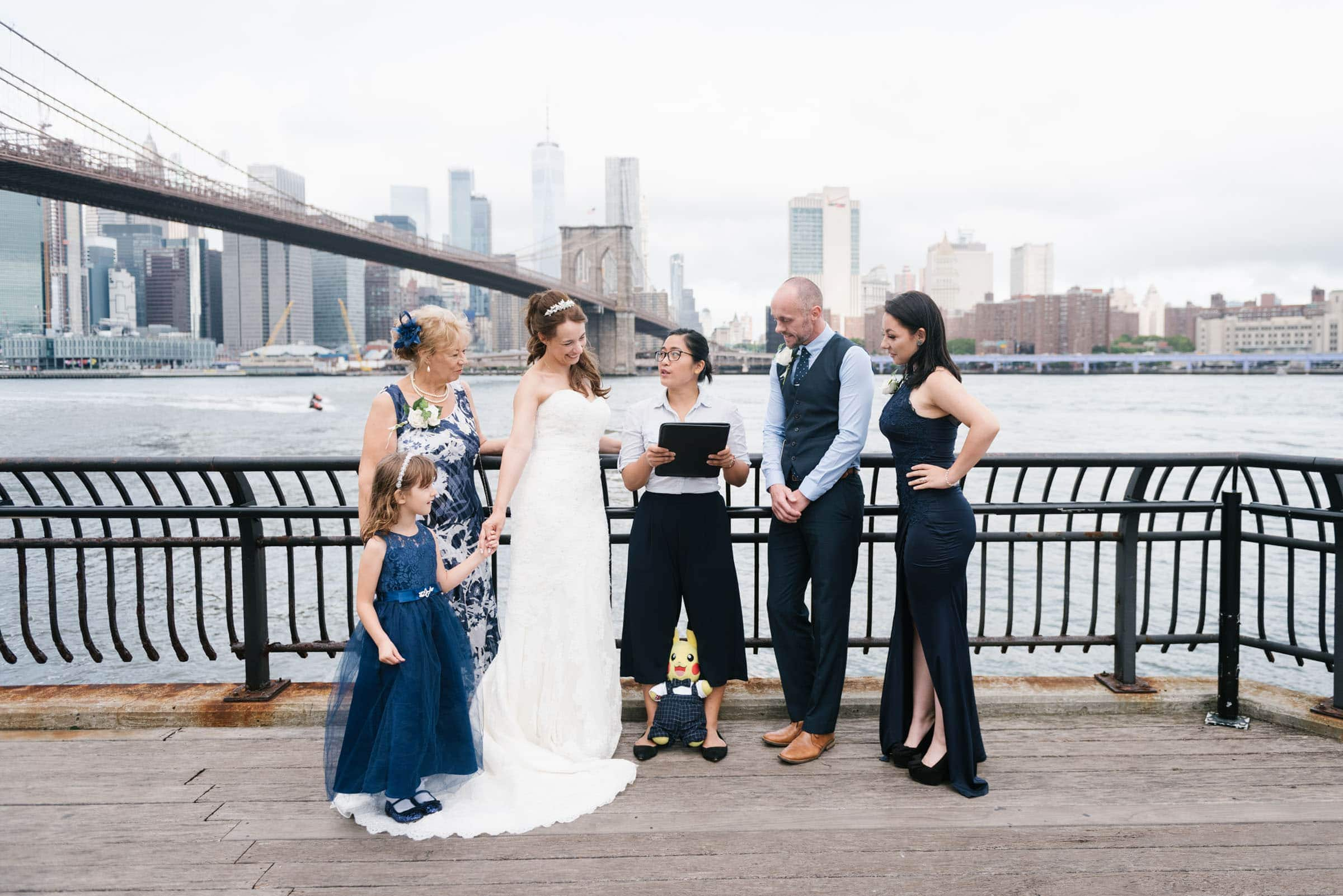 wedding officiant for NYC elopement in Brooklyn Bridge Park
