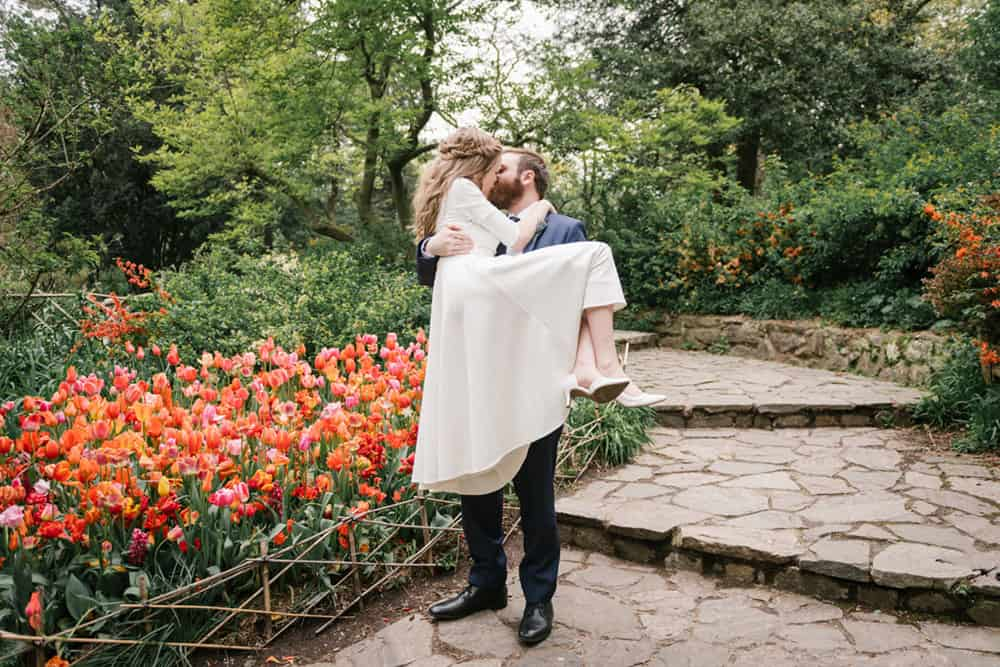 where to elope in NYC: Shakespeare garden wedding in Central Park