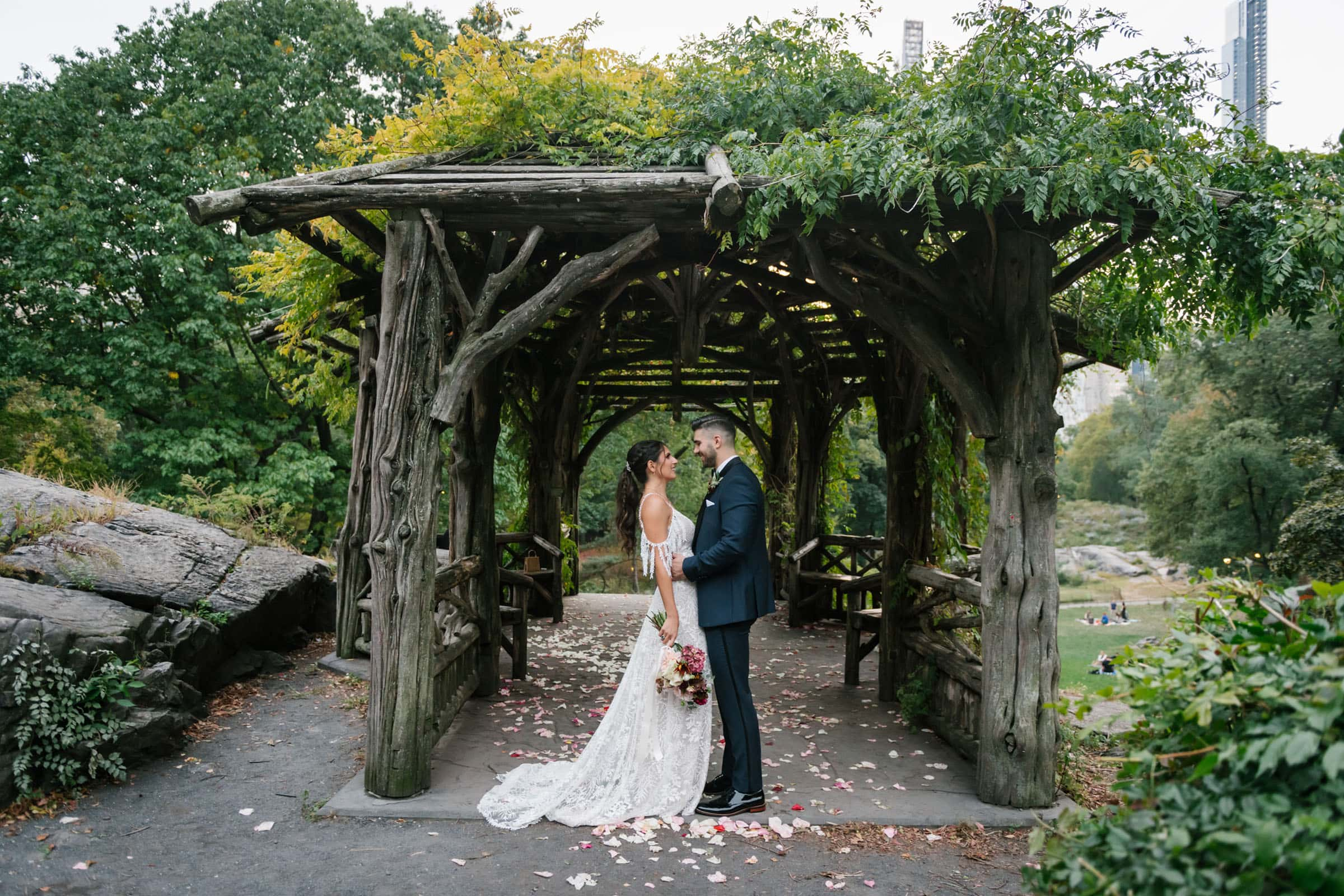 A treehouse for dreaming wedding in Central Park, New York City